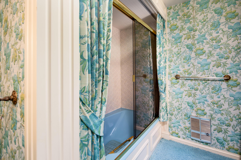 1137 Rebecca Rd - Master Suite Bath - 30