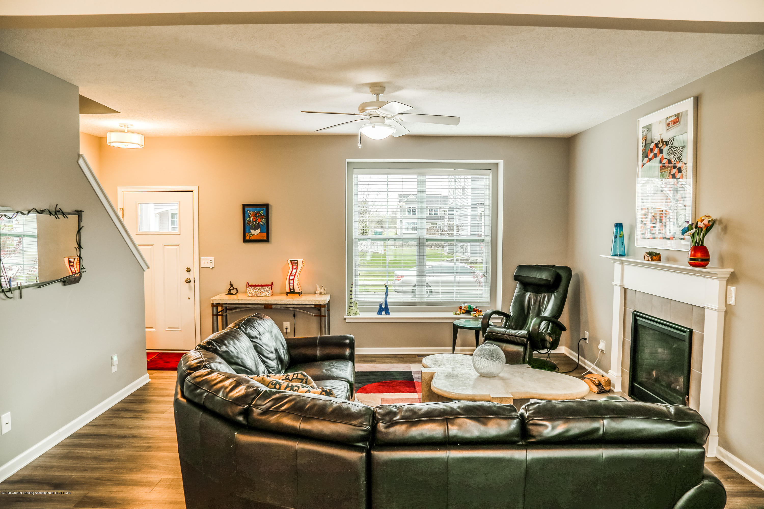 636 Buteo Dr - Living Room - 6