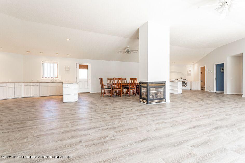 8771 Cockroft Rd - Livingroom - 5