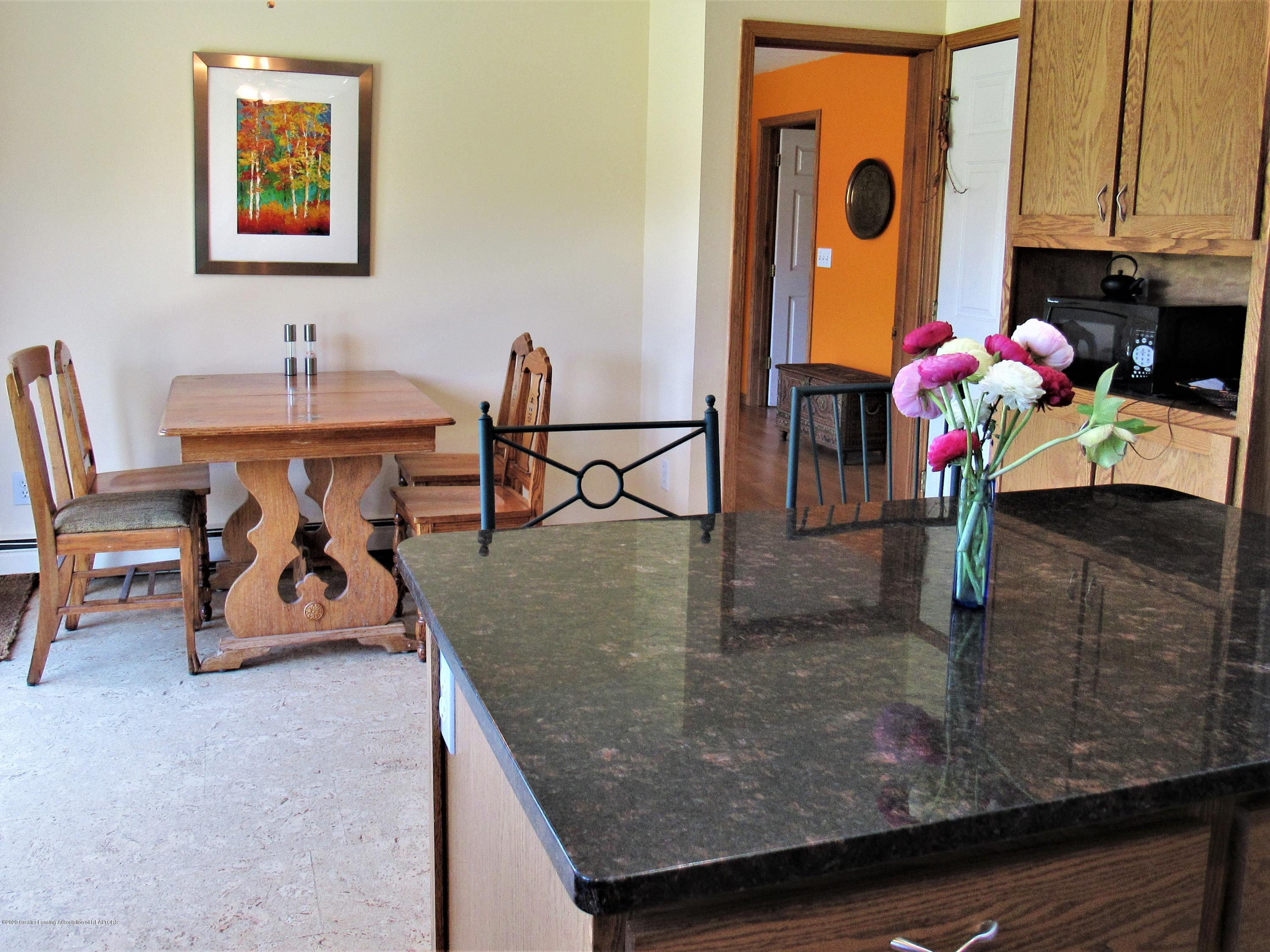 11772 Maryellen Dr - Center Island and Dining Area - 12