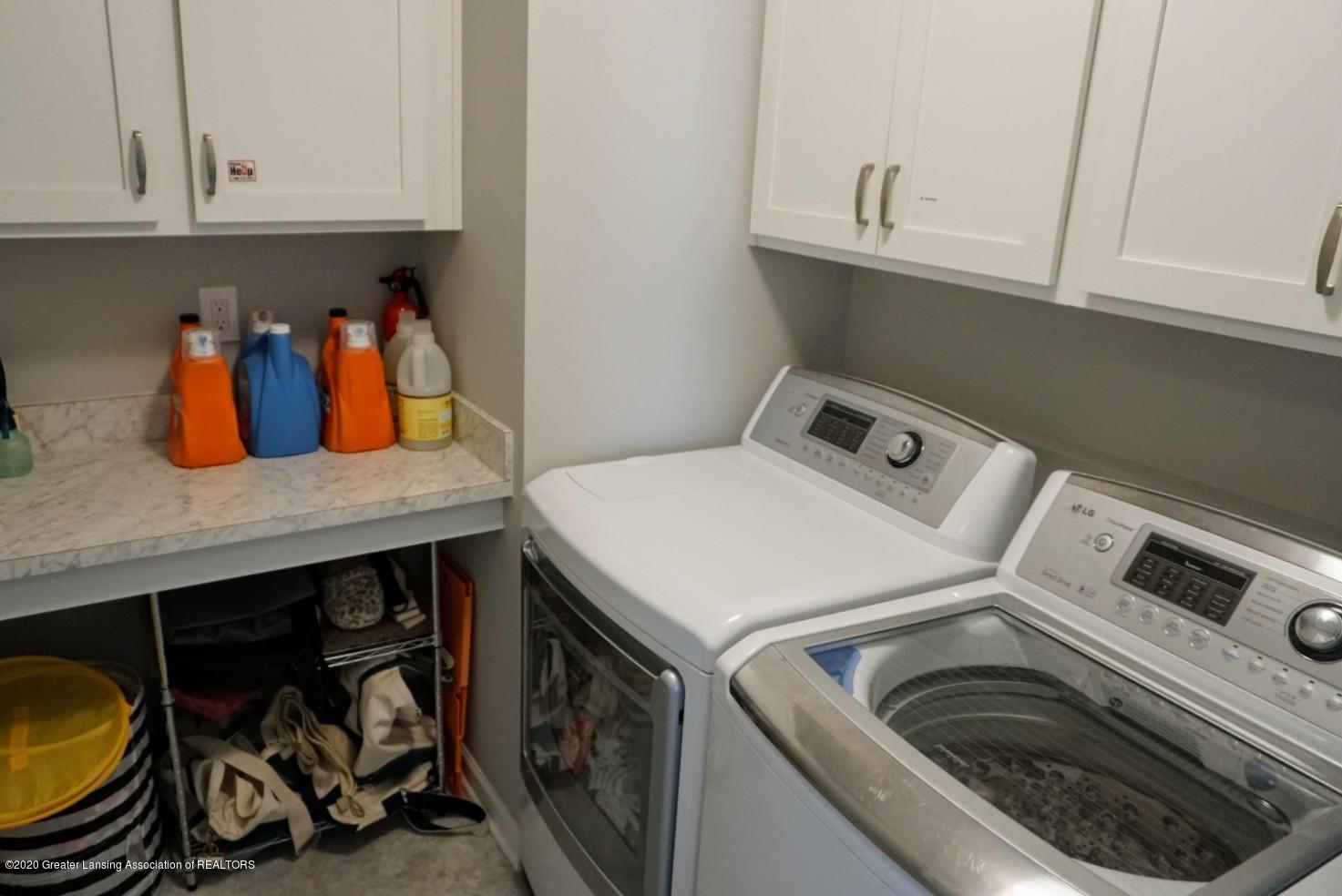 2725 Kittansett Dr - 2nd floor laundry room - 21