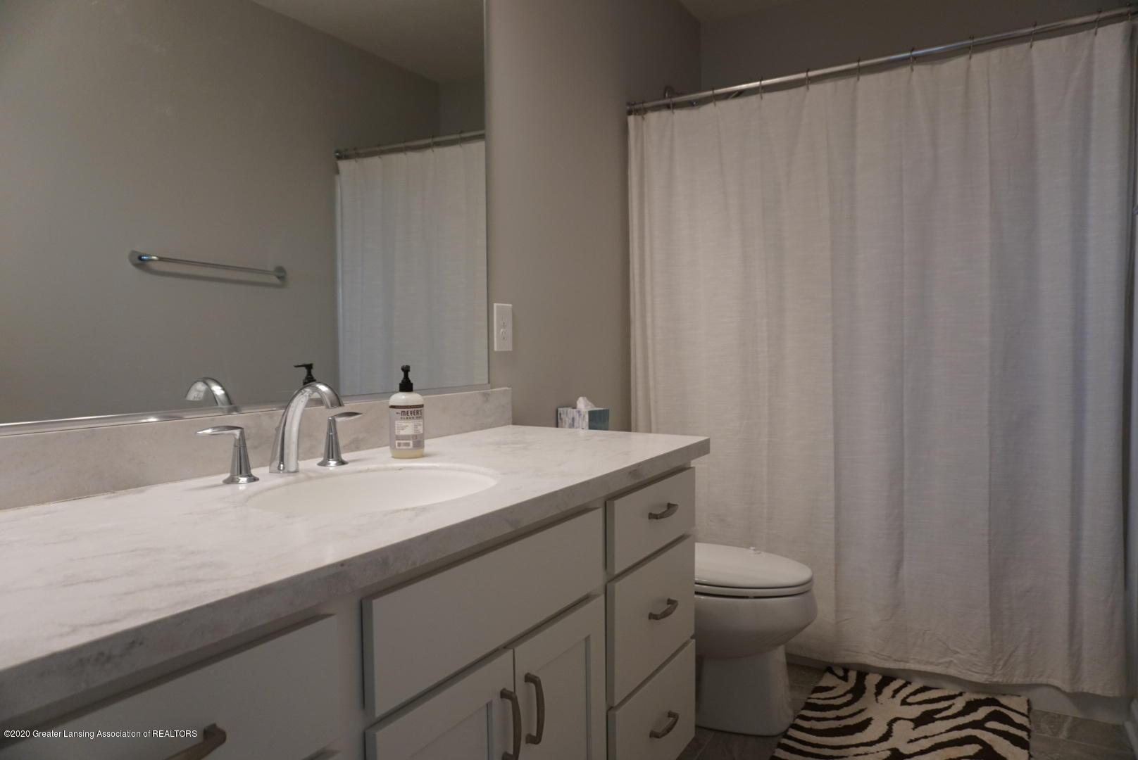 2725 Kittansett Dr - Full bathroom - 20