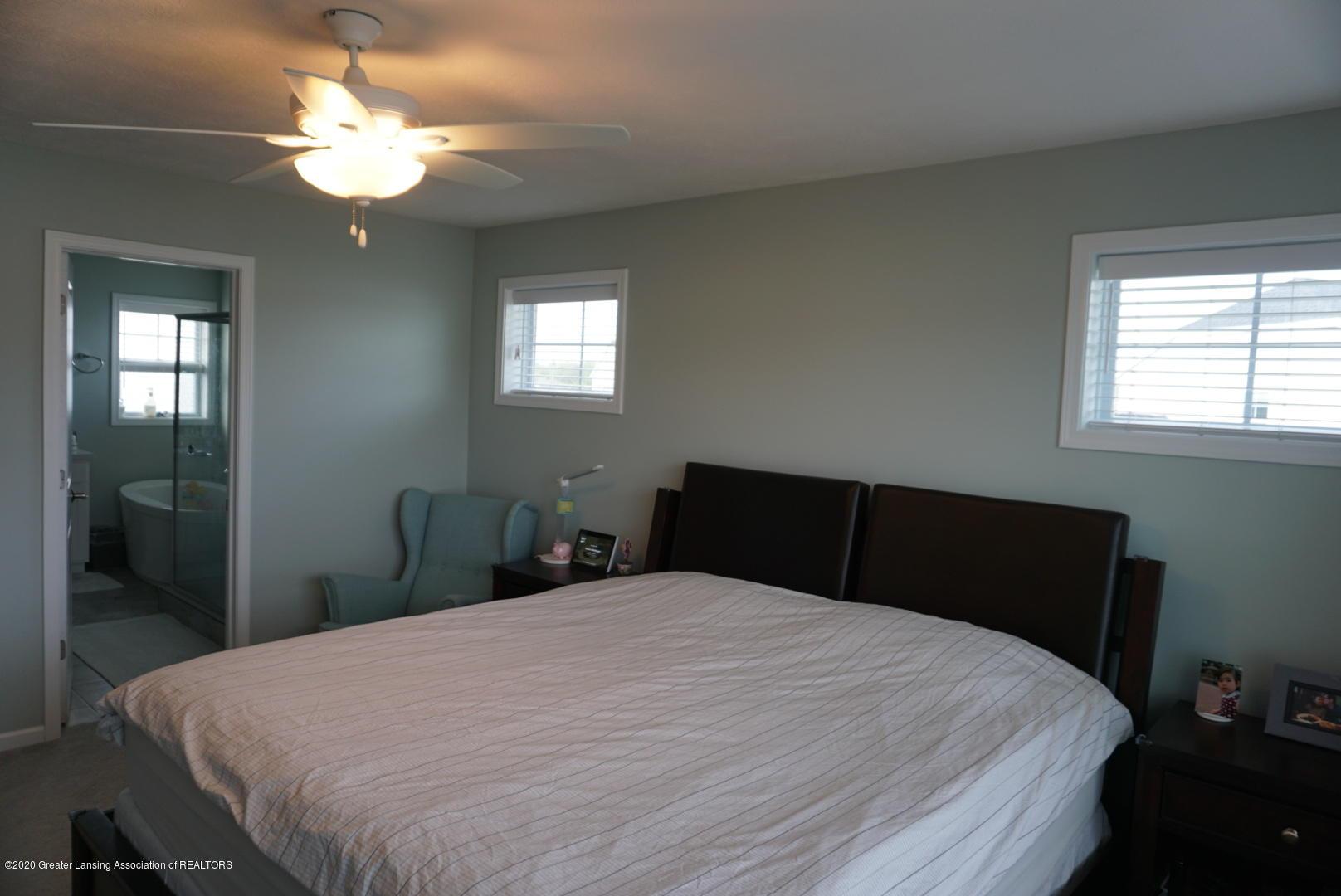 2725 Kittansett Dr - Master bedroom - 15