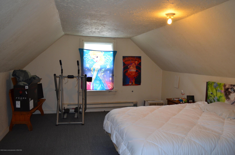 2296 Cedar St - 3 Bedroom 2nd Floor - 14
