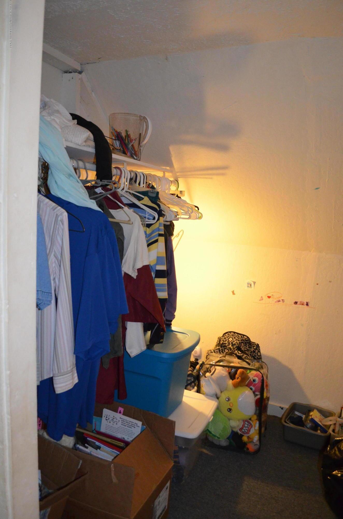 2296 Cedar St - Walk In Closet - 18