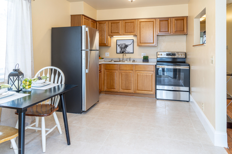 3513 S Deerfield Ave - kitchen - 4