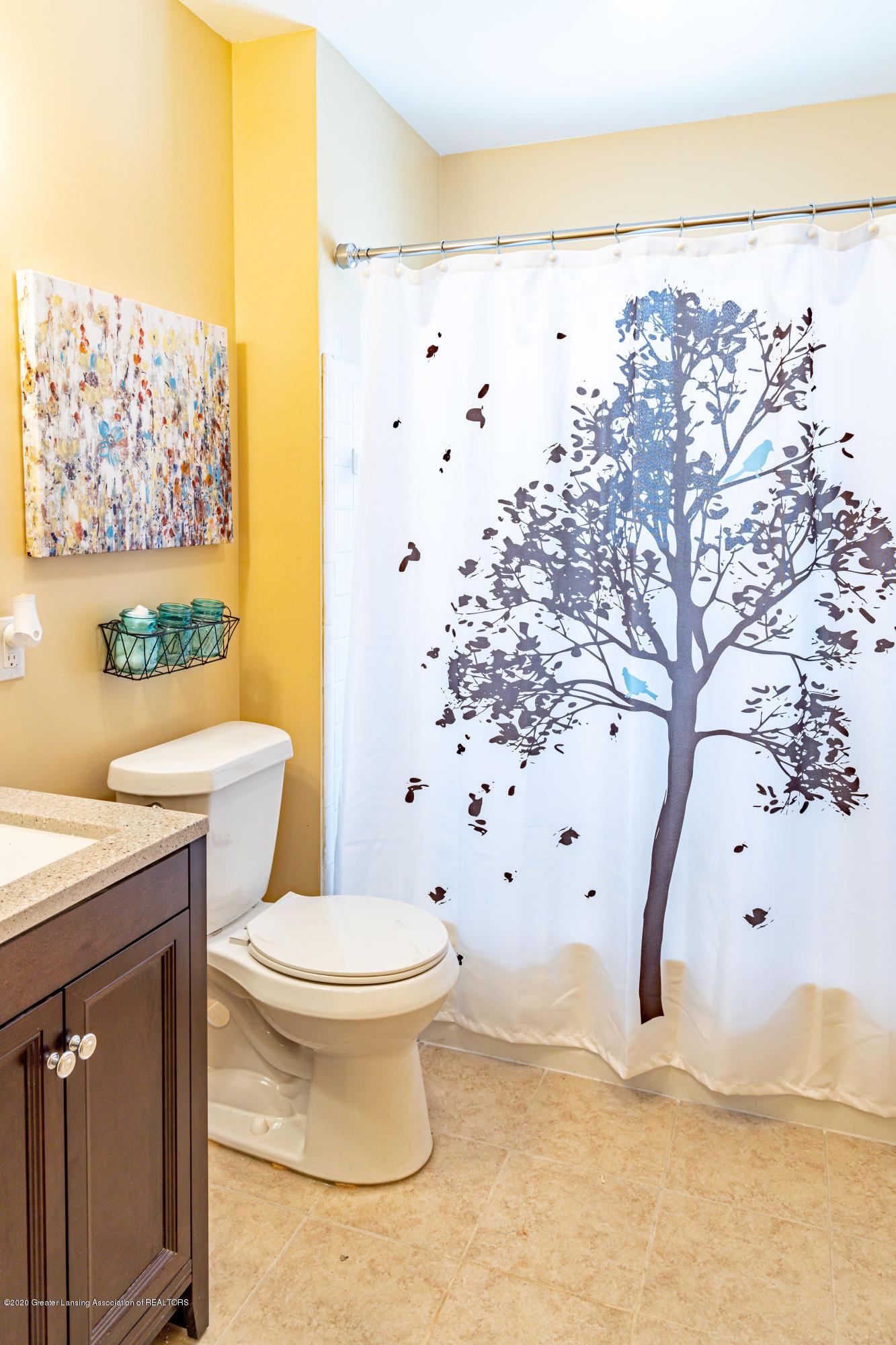 3513 S Deerfield Ave - bathroom - 6