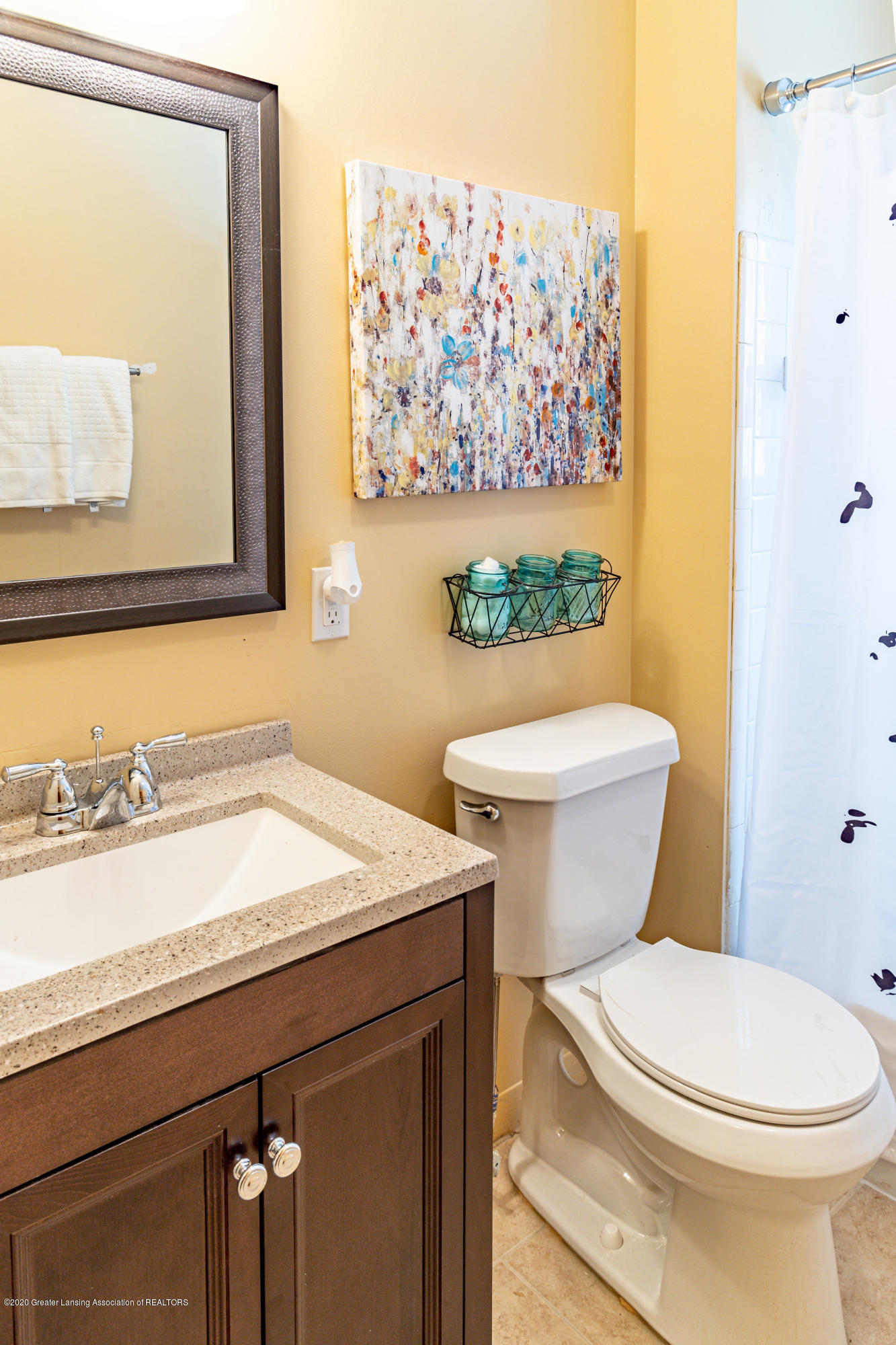 3513 S Deerfield Ave - bathroom2 - 7