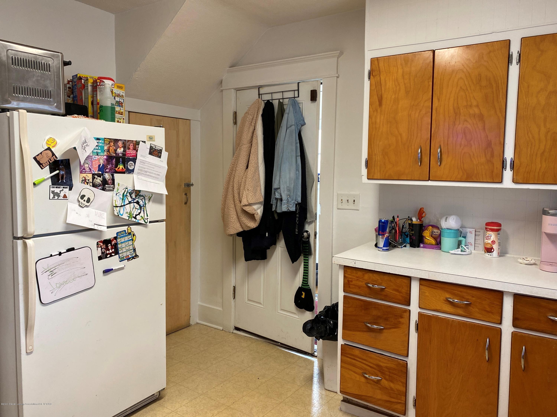 2296 Cedar St - Kitchen Back Door - 11