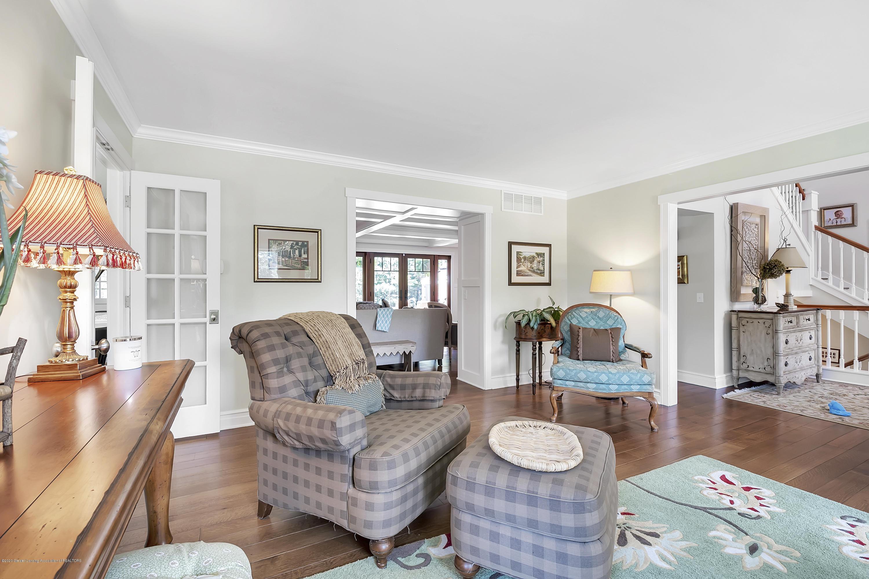 985 Tanglewood Ln - 985-Tanglewood-East-Lansing-windowstill- - 10