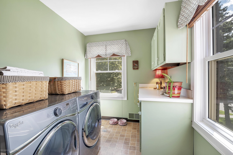 985 Tanglewood Ln - 985-Tanglewood-East-Lansing-windowstill- - 33