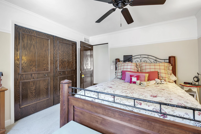 985 Tanglewood Ln - 985-Tanglewood-East-Lansing-windowstill- - 35