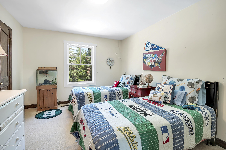 985 Tanglewood Ln - 985-Tanglewood-East-Lansing-windowstill- - 38