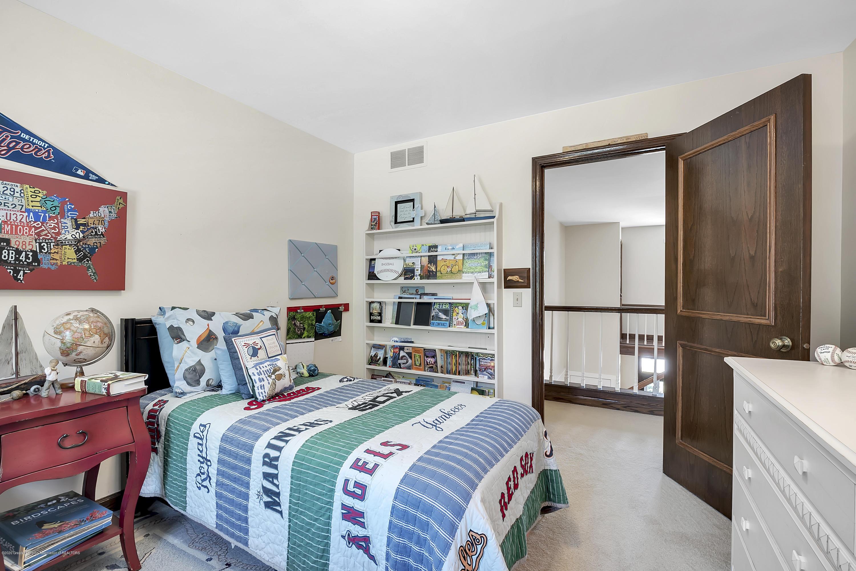 985 Tanglewood Ln - 985-Tanglewood-East-Lansing-windowstill- - 39