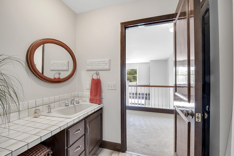 985 Tanglewood Ln - 985-Tanglewood-East-Lansing-windowstill- - 41