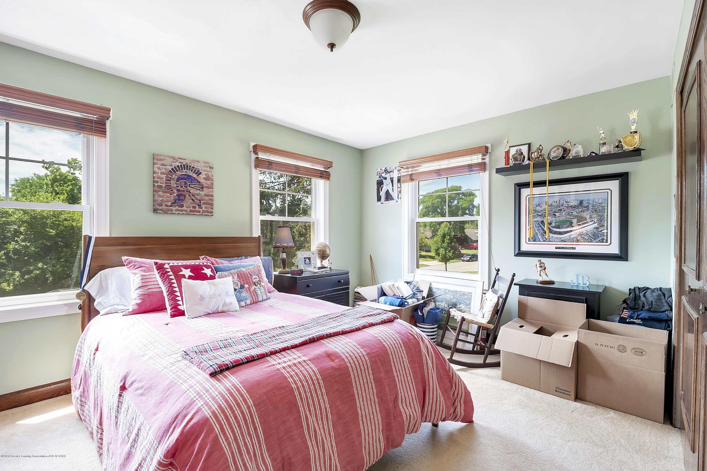 985 Tanglewood Ln - 985-Tanglewood-East-Lansing-windowstill- - 43