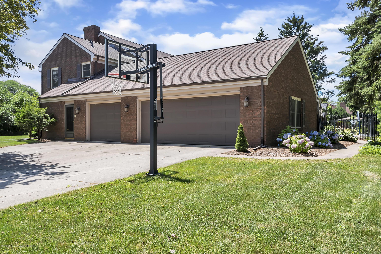 985 Tanglewood Ln - 985-Tanglewood-East-Lansing-windowstill- - 65