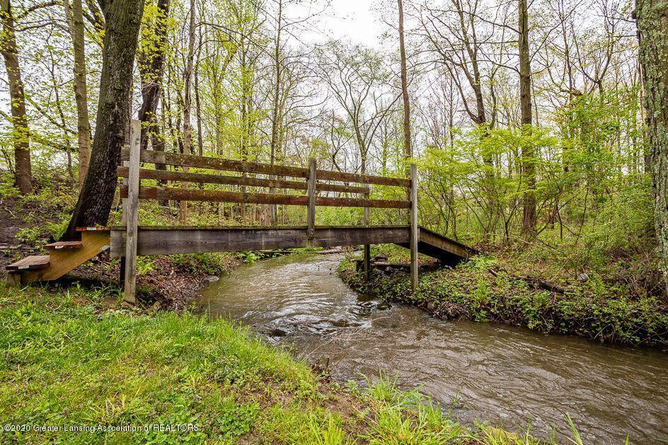 4450 Congdon Dr - Creek - 36