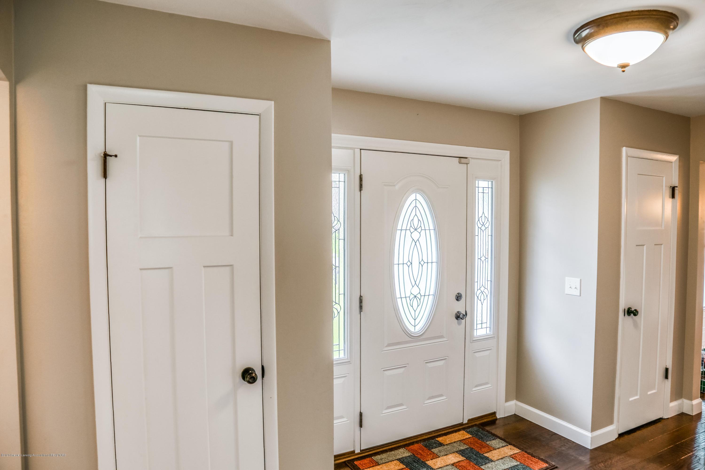 1681 Algoma Dr - Front Door - 4