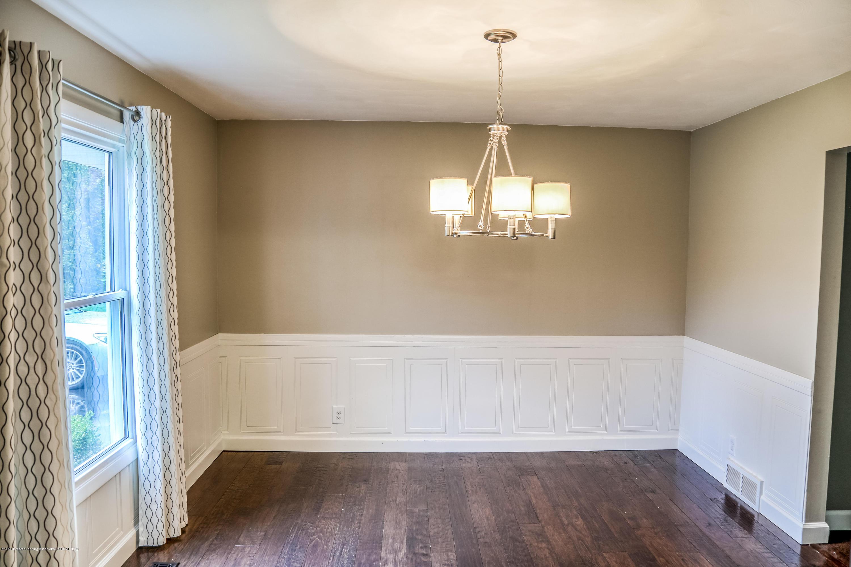 1681 Algoma Dr - Dining Room - 8