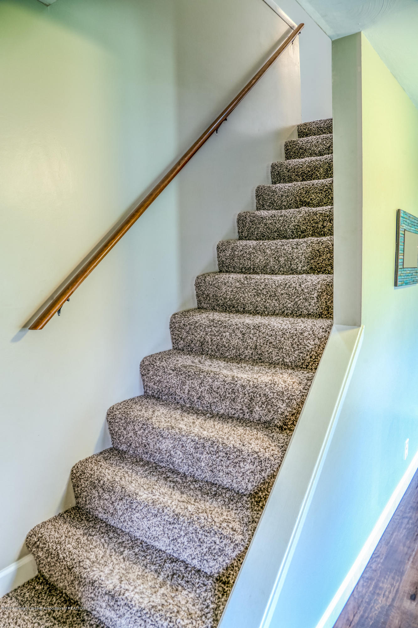 1681 Algoma Dr - Stairs - 19