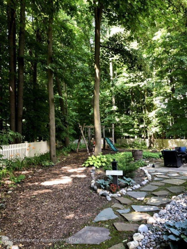 1974 Valley Brook - Backyard in Summer - 36