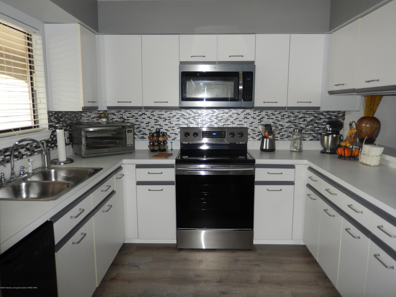 1242 Zimmer Pl 11 - Kitchen - 3
