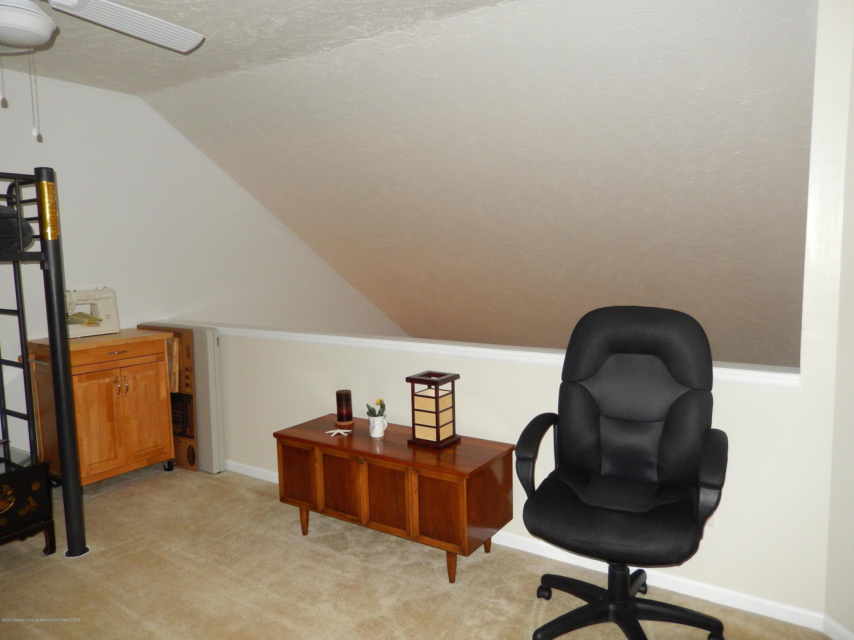 1242 Zimmer Pl 11 - Loft - 10