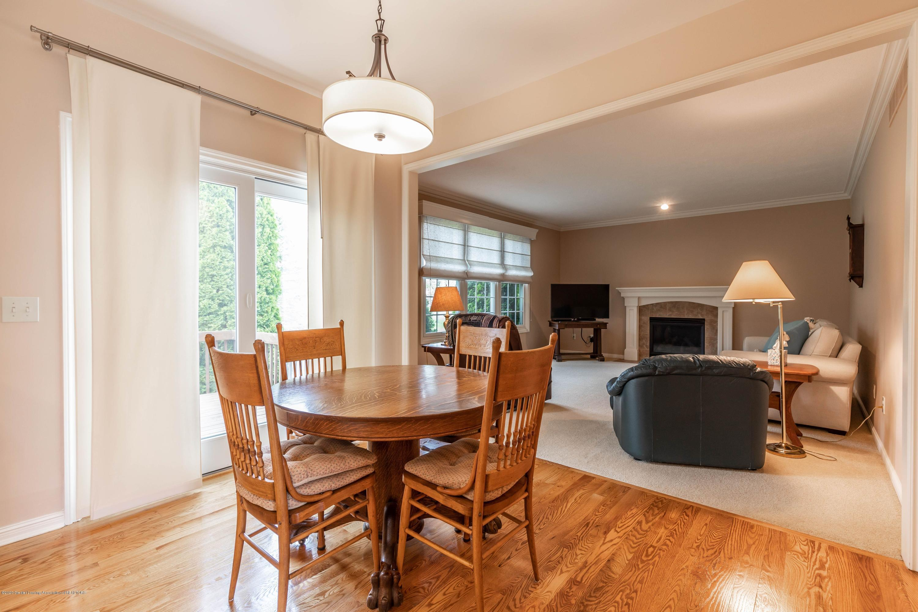 11680 Rachel Ln - eat in kitchen - 11