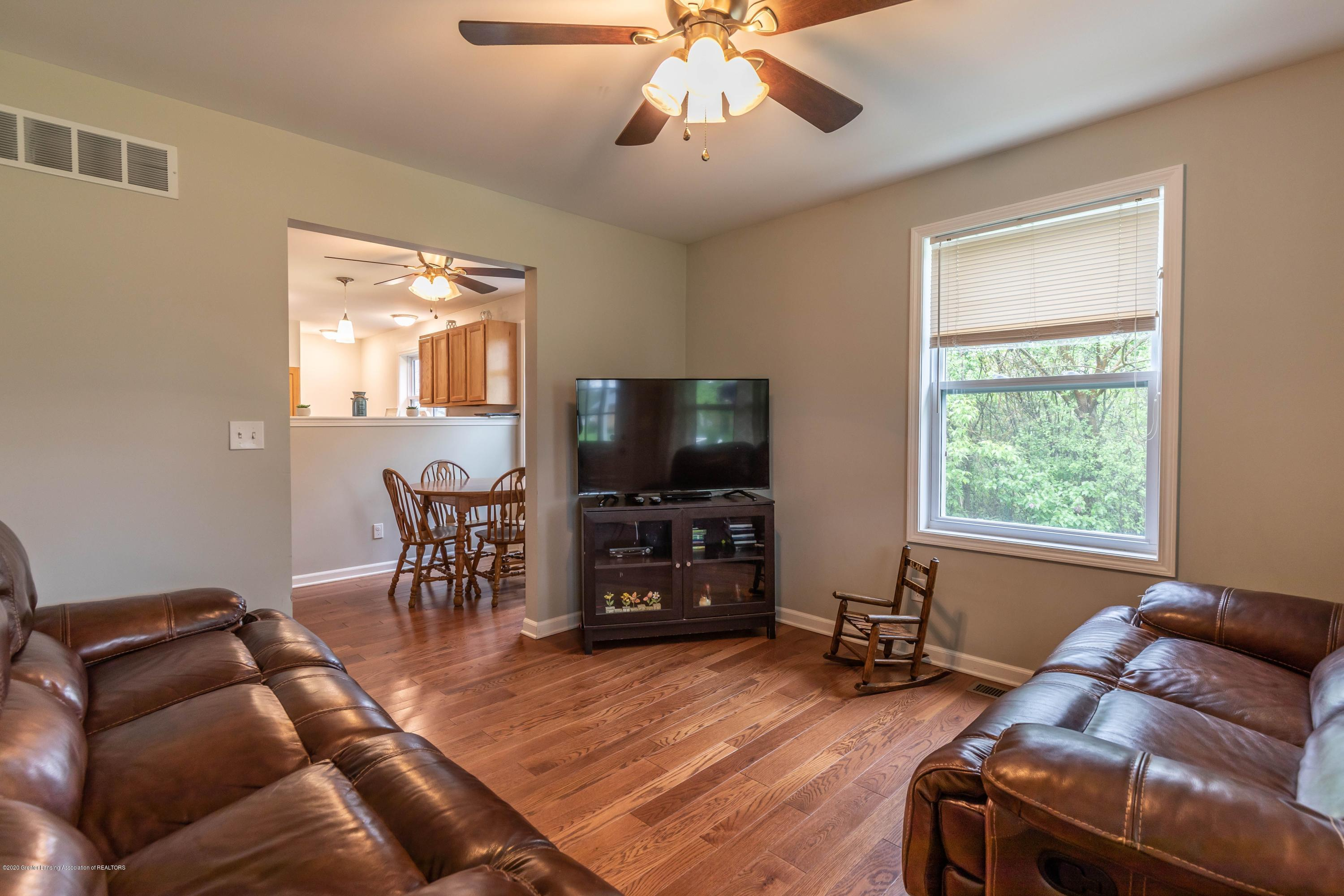 790 Woodworth Rd - Living rooom - 7