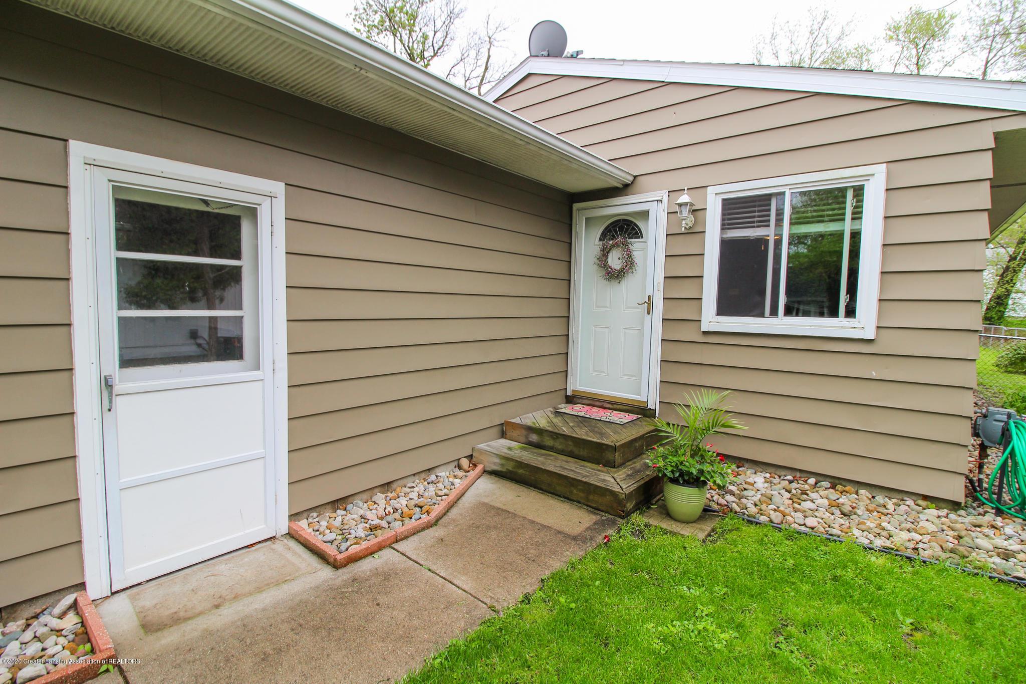 1131 Wolf Ct - Side Garage Entrance - 5