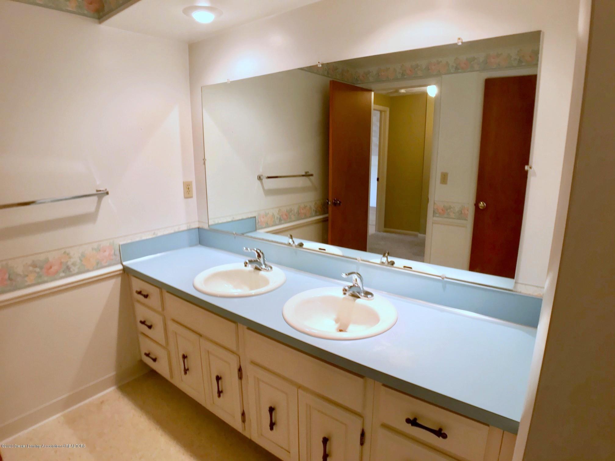 1118 Bretton Rd - bathroom - 29