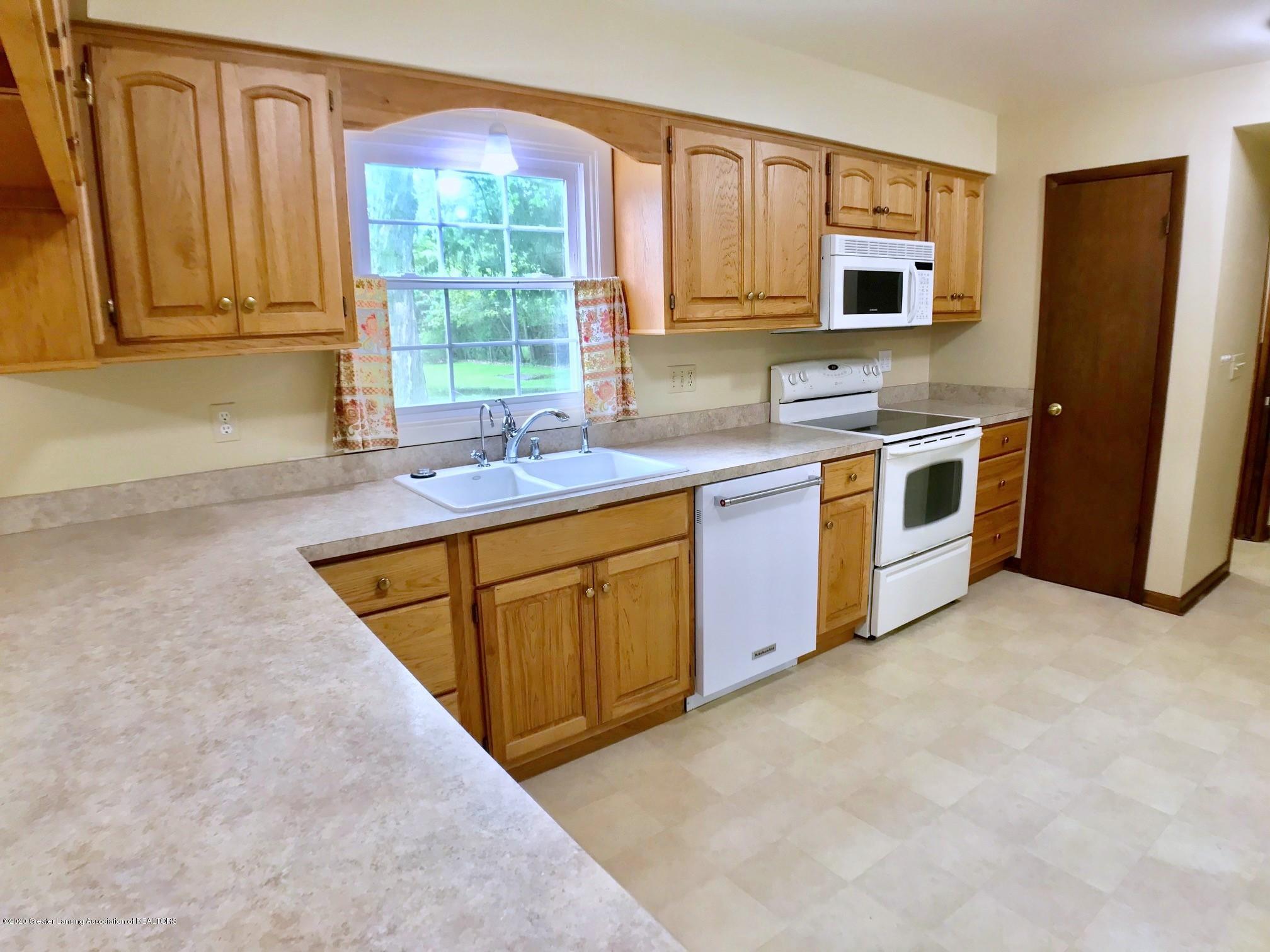 1118 Bretton Rd - Kitchen - 13