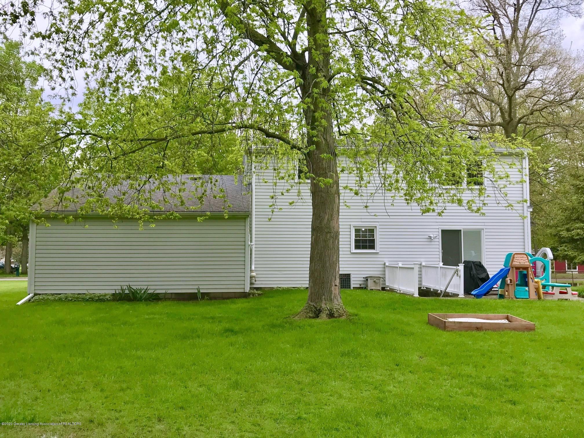 1118 Bretton Rd - Large Back Yard - 37