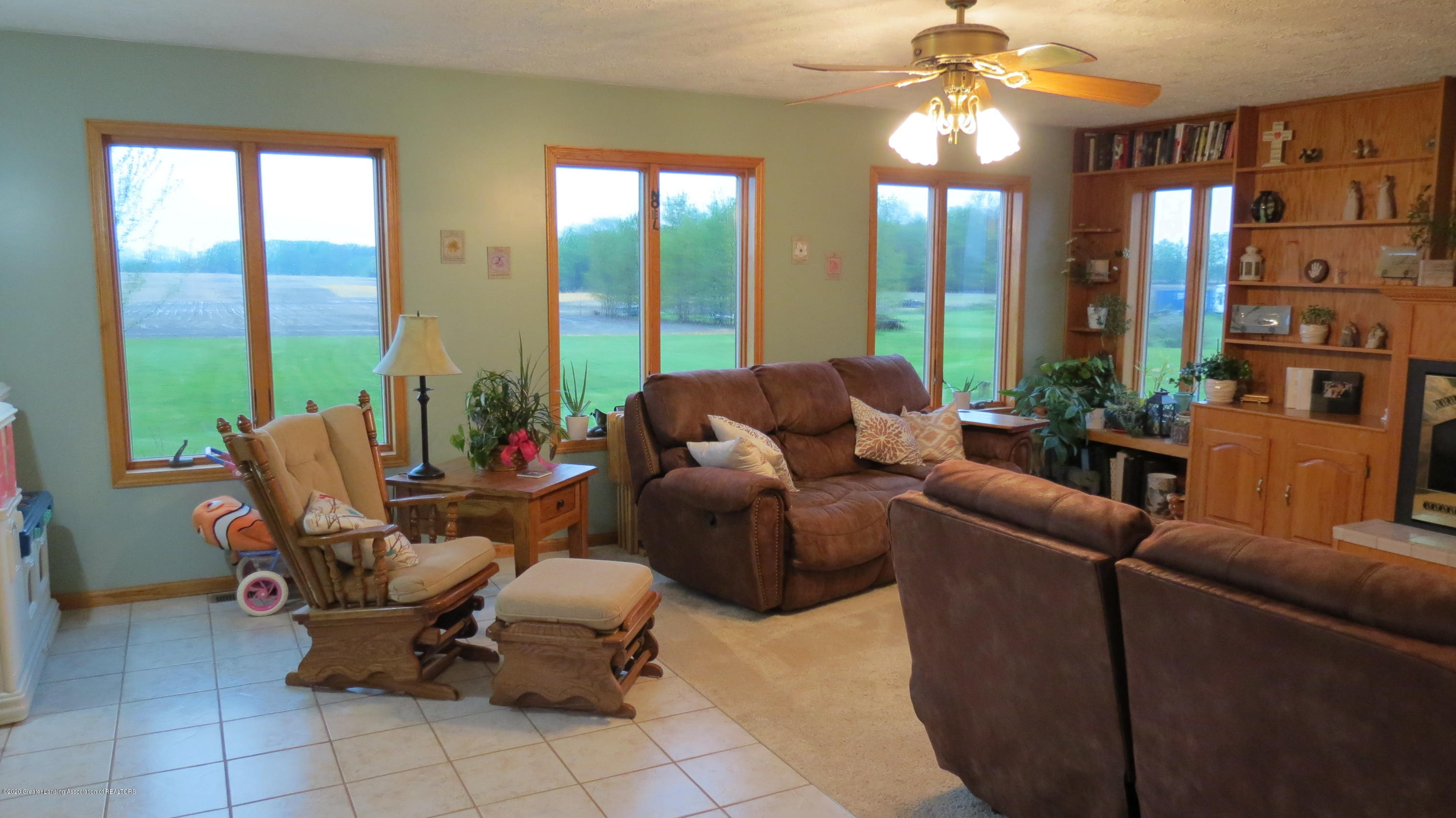 5177 Faragher Rd - Living Room - 10