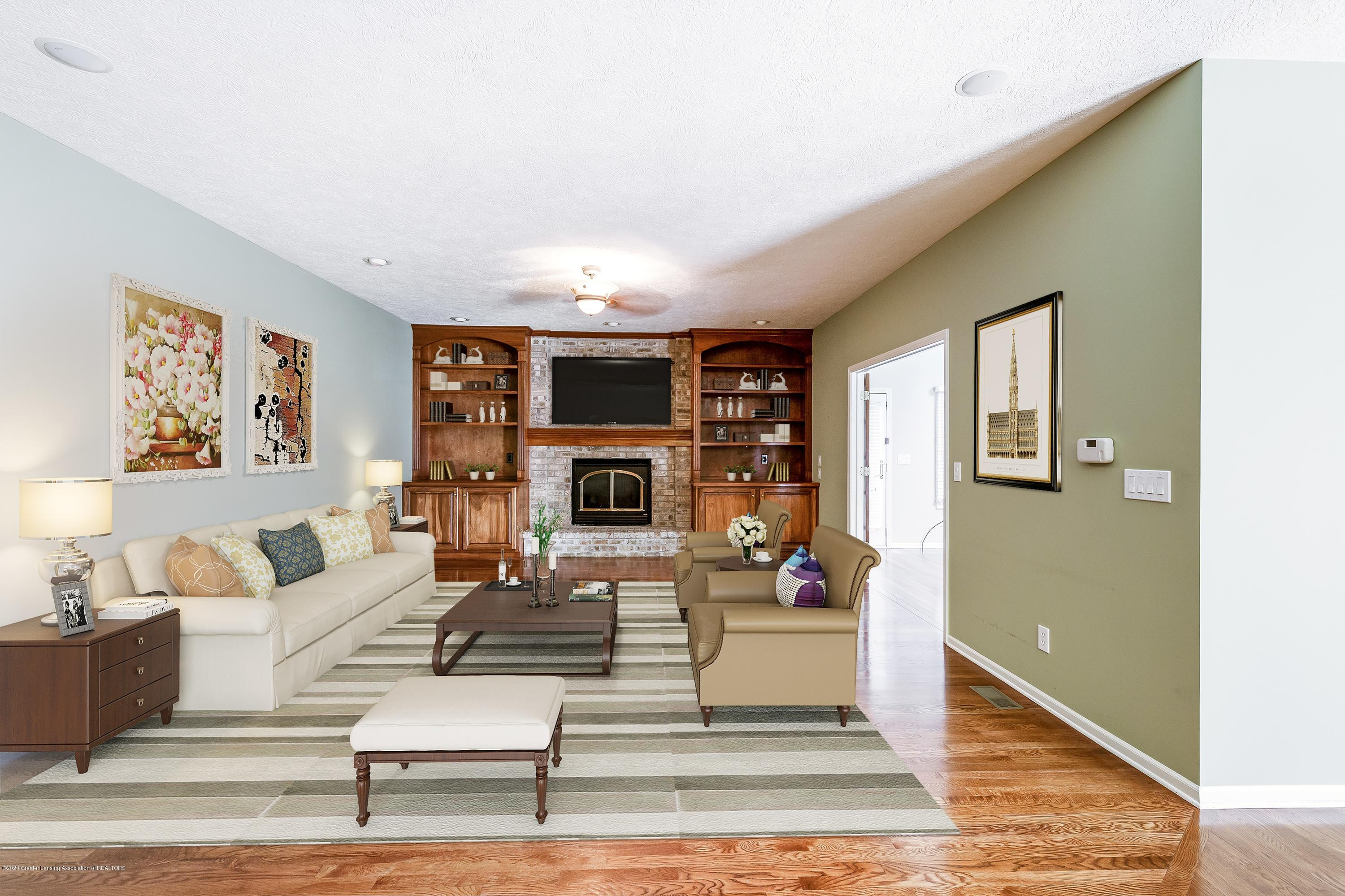 2530 Hummingbird Ln - Living Room - 8
