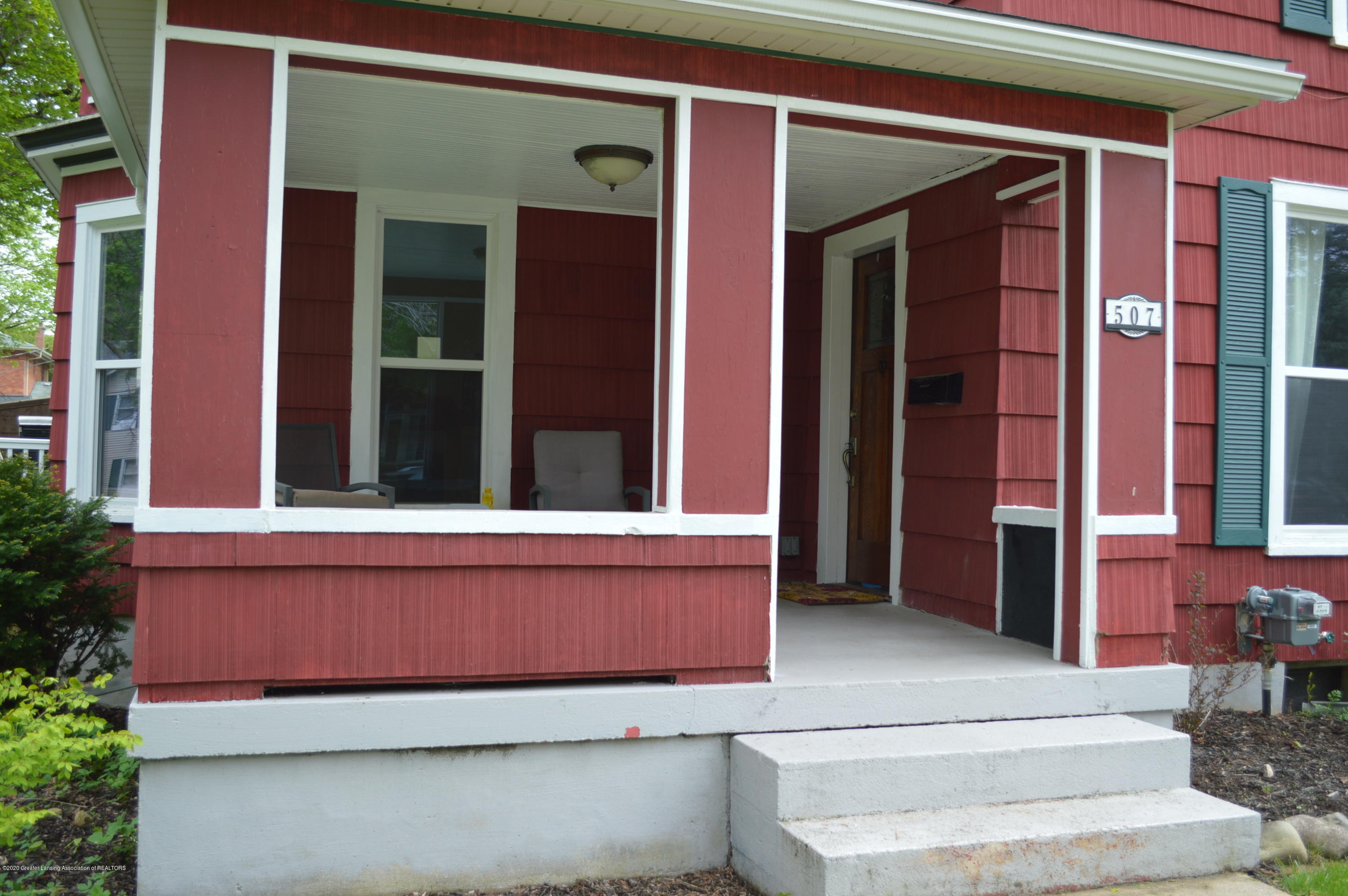 507 Taylor St - Covered front porch - 3