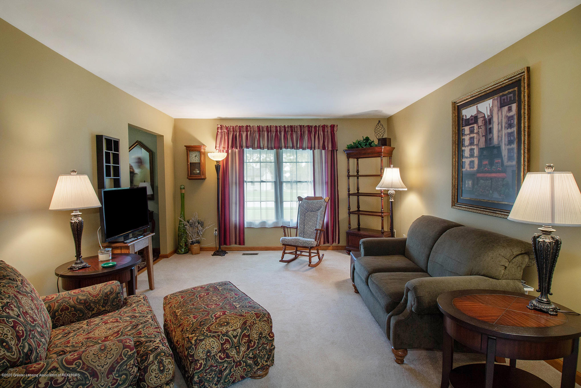 124 Spring Meadows Ln - Living Room - 4