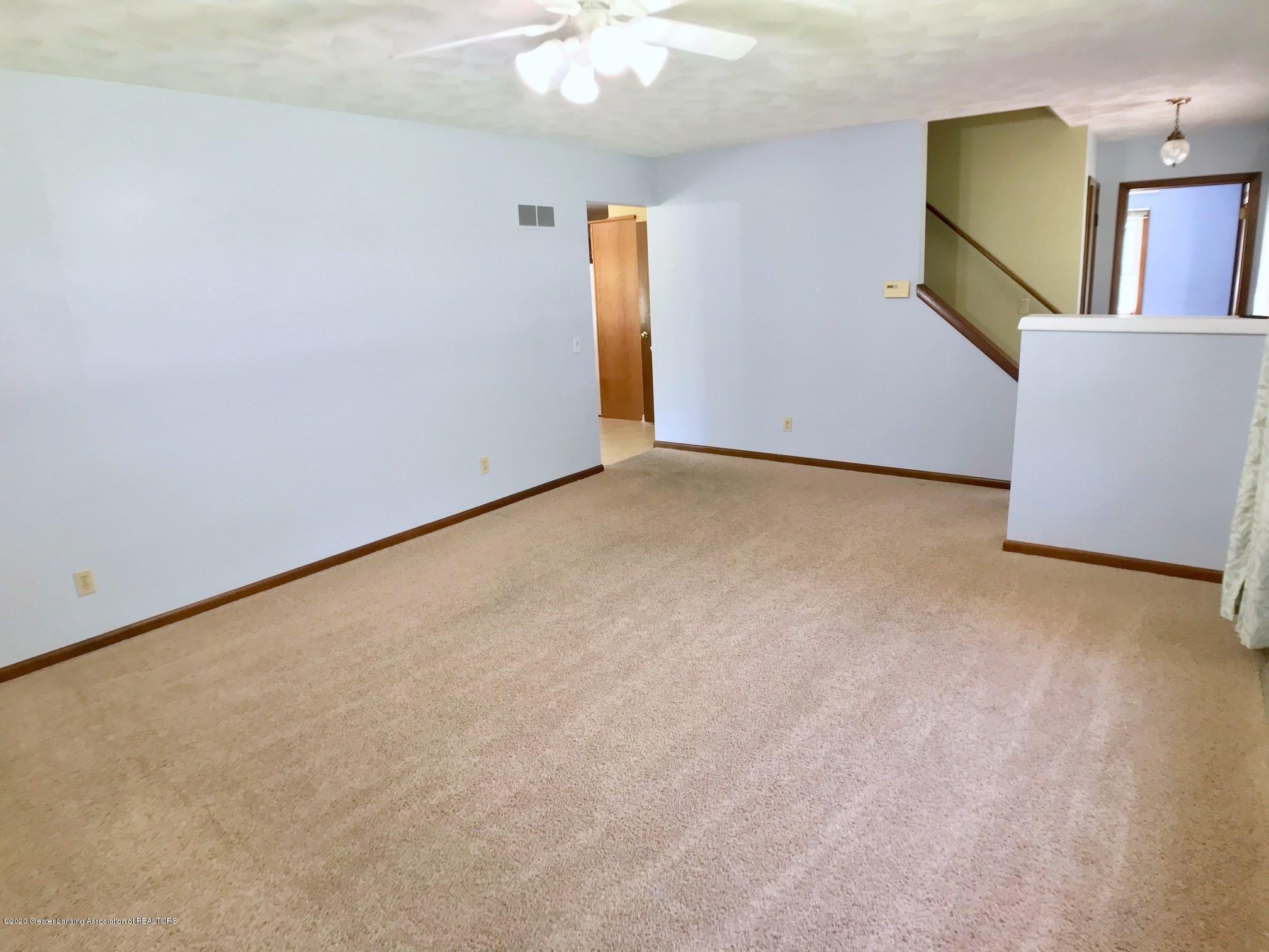1118 Bretton Rd - Living Room - 9
