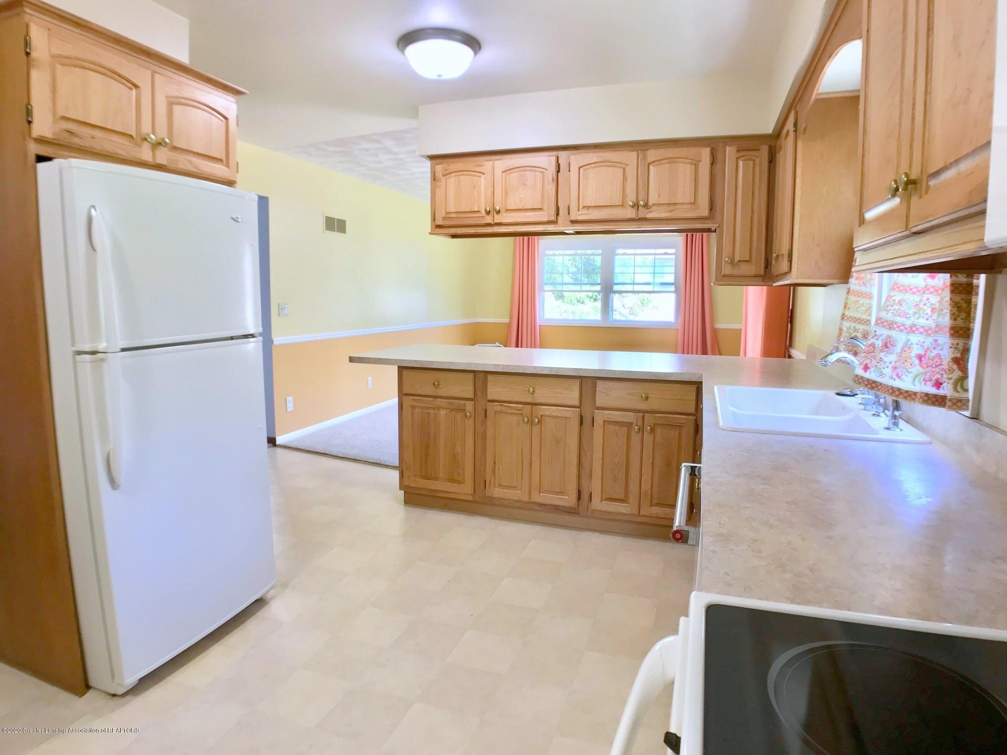 1118 Bretton Rd - Kitchen - 14