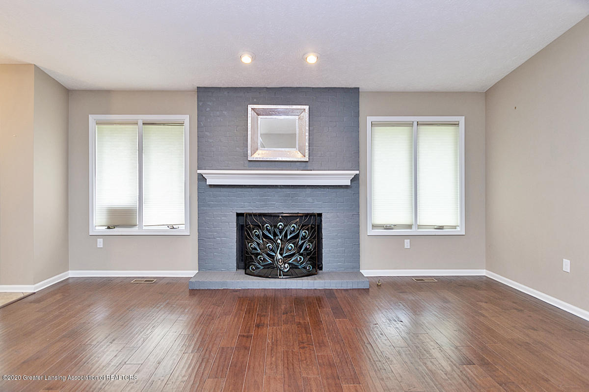 2366 Emerald Forest Cir - Gas Fireplace - 4
