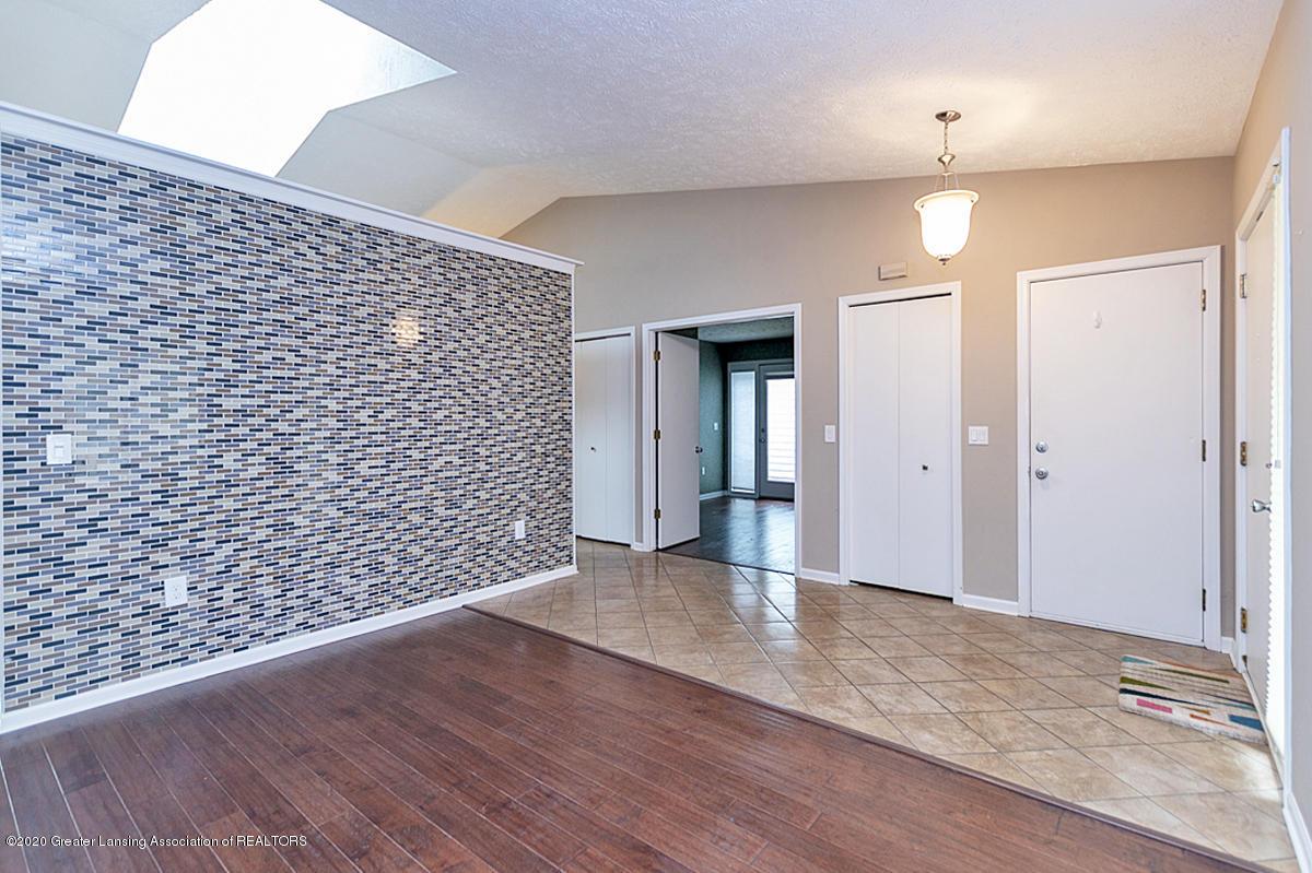 2366 Emerald Forest Cir - Living Room - 9