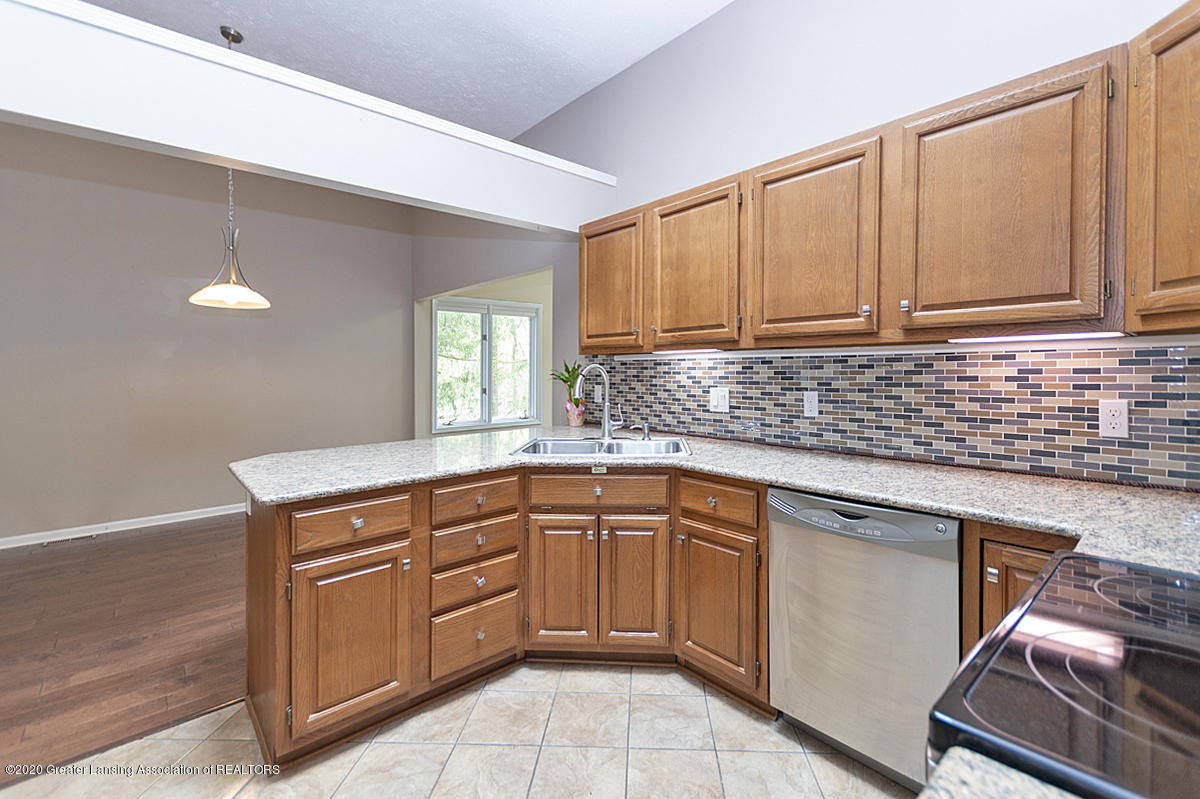 2366 Emerald Forest Cir - Kitchen - 14