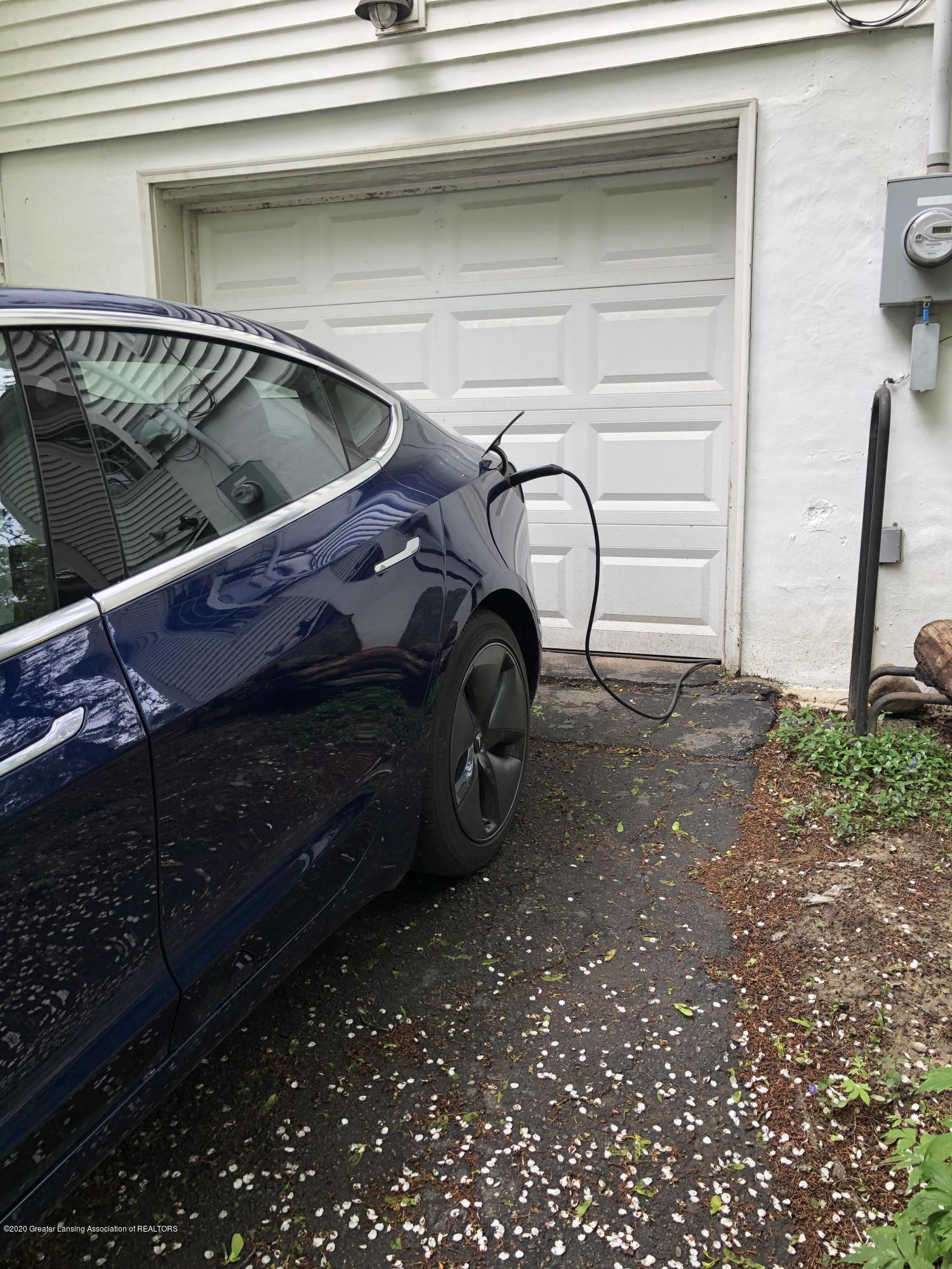 1010 N Harrison Rd - Electric Car Plug in - 33