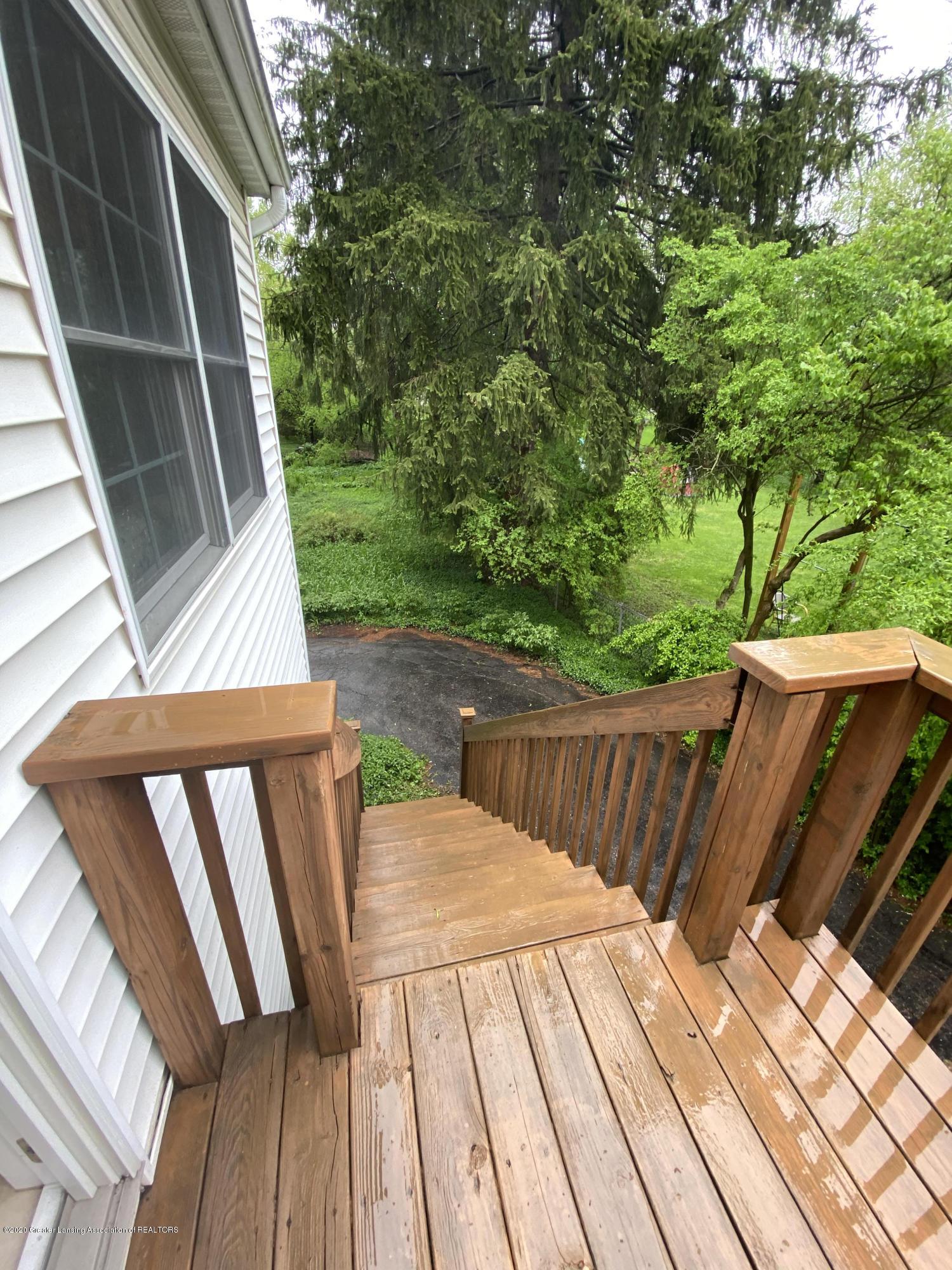 1010 N Harrison Rd - deck to backyard - 3