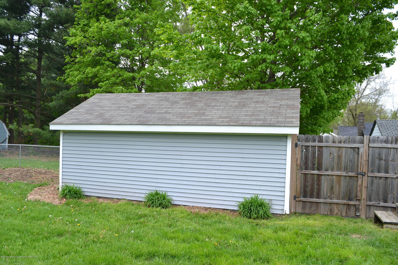818 S Clinton St - Garage Side - 10