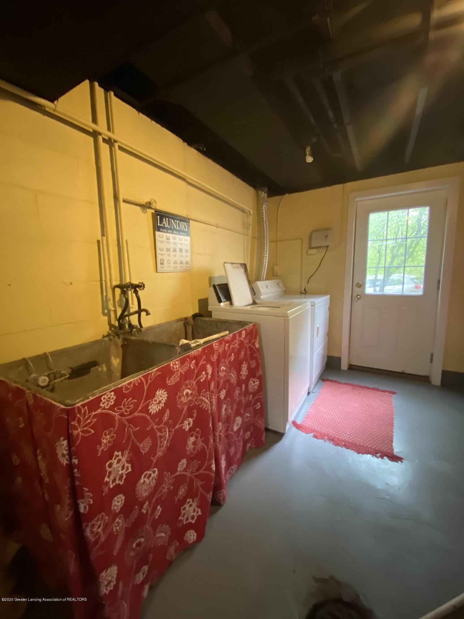 1010 N Harrison Rd - laundry room - 27