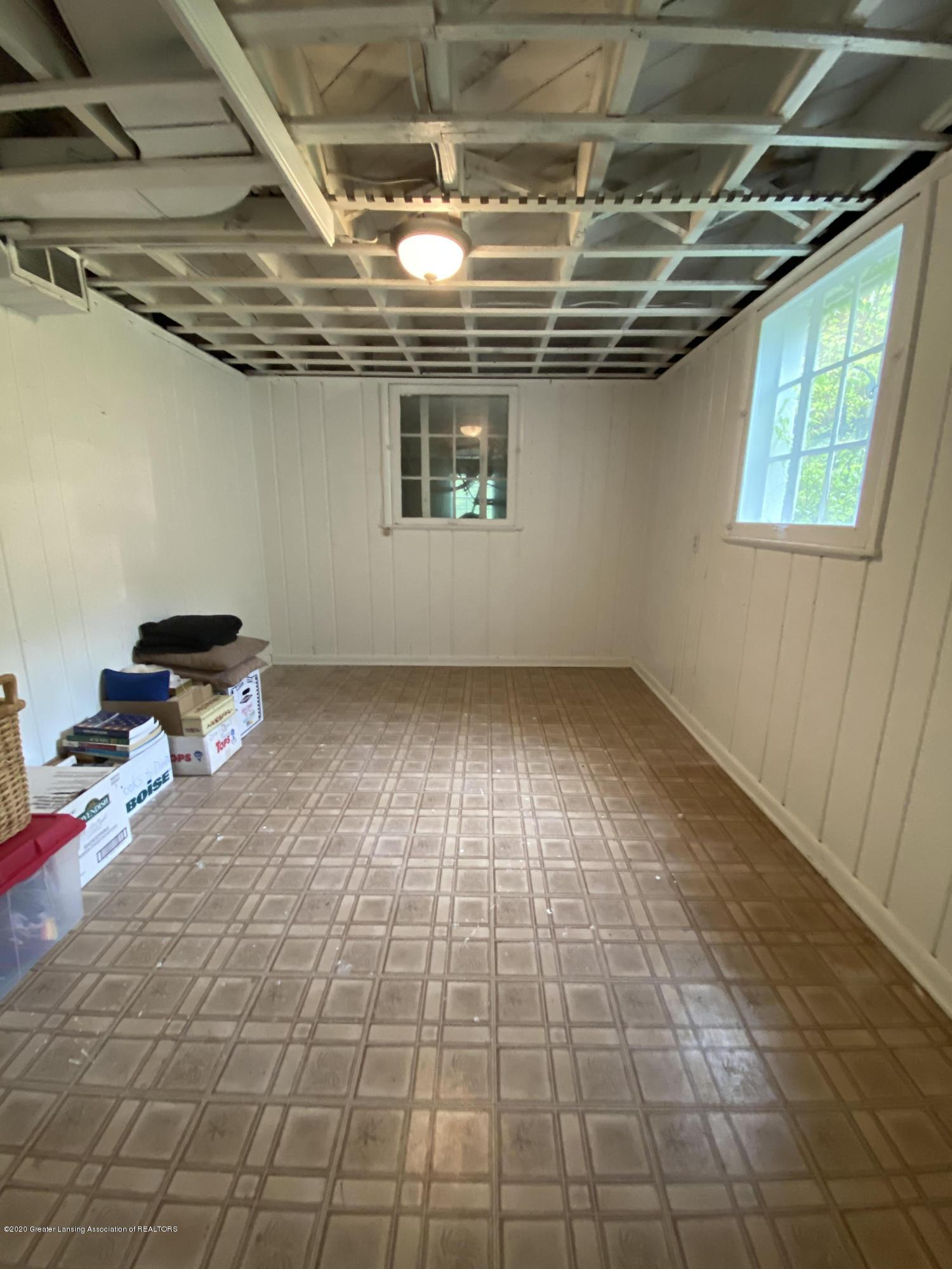 1010 N Harrison Rd - work room - 29