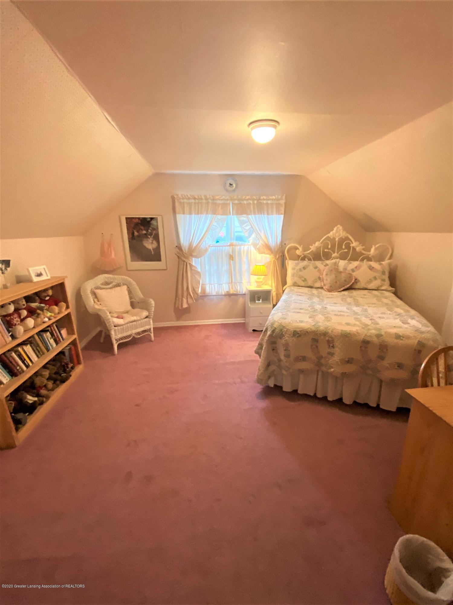 1010 N Harrison Rd - 2nd 2nd floor bedroom - 38