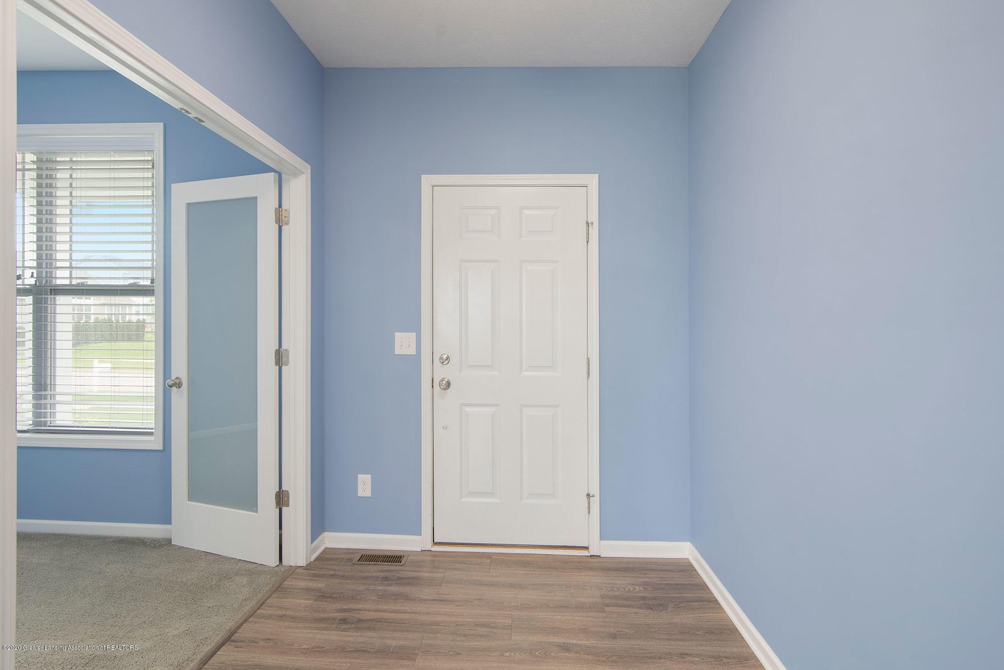 2818 Kittansett Dr - Foyer - 8